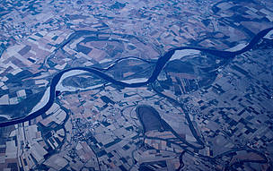 Aerial view of barren agricultural fields along the Po River, Italy.  © Mauri Rautkari / WWF